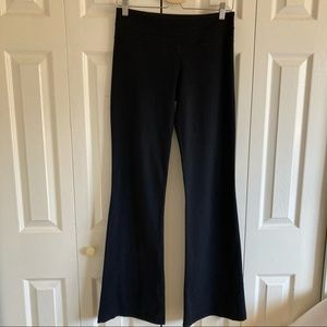 Lululemon Groove Black Yoga Pant Size 6 Long